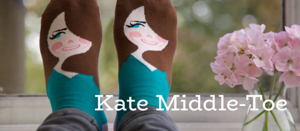 Kate-Middle-Toe-ChattyFeet-text